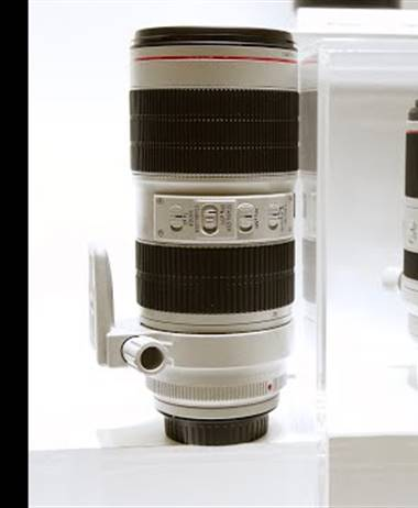 New Canon RF lenses on display at CP+