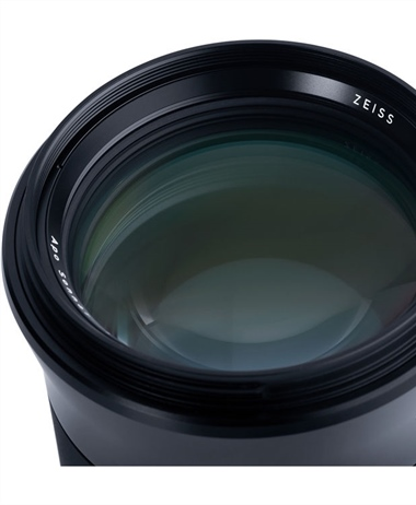 Zeiss Otus 100mm f/1.4 Review