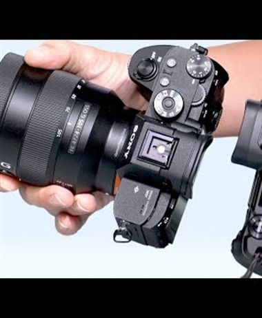 Tony & Chelsea Northrup:  Canon EOS R vs Sony a7 III Review: Full-frame...